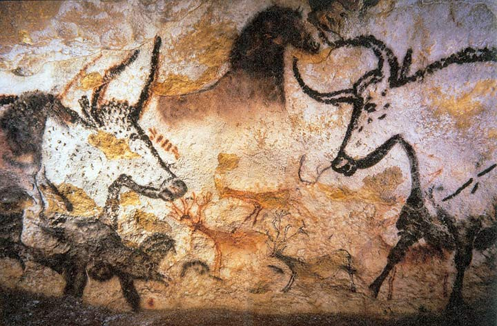 Lascaux cave paintings from the hall of bulls