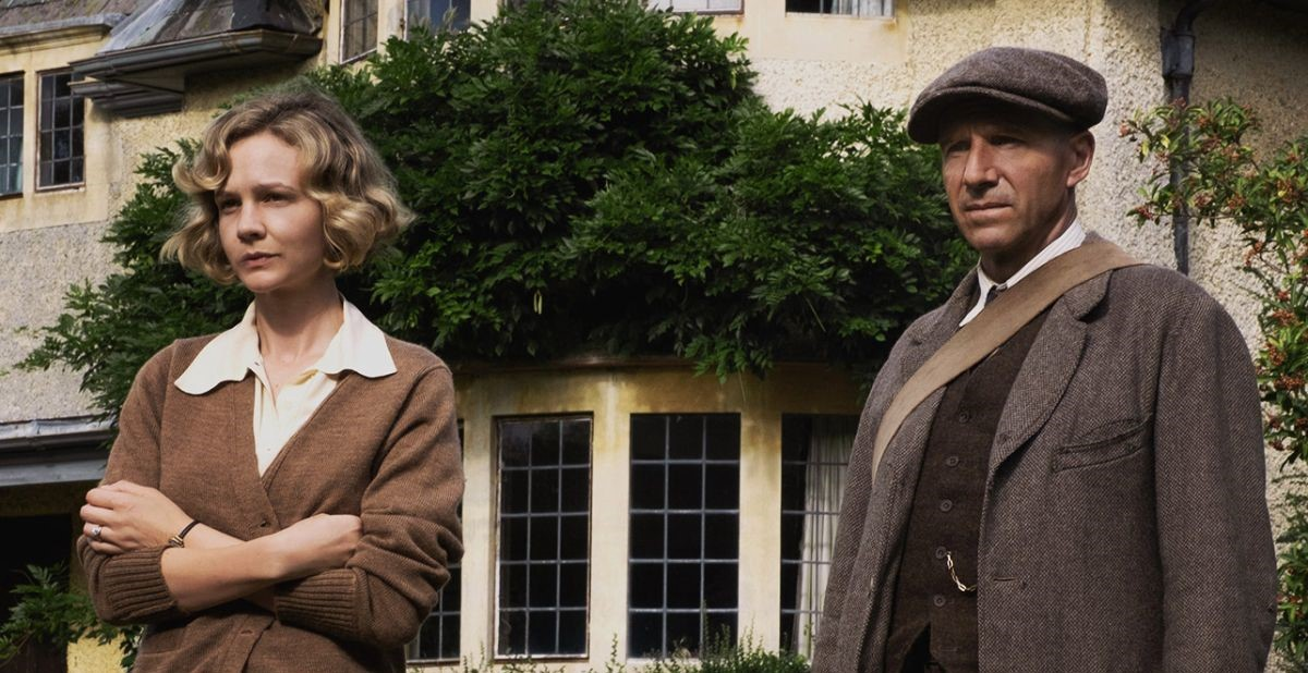 Edith Pretty and Basil Brown in The Dig.