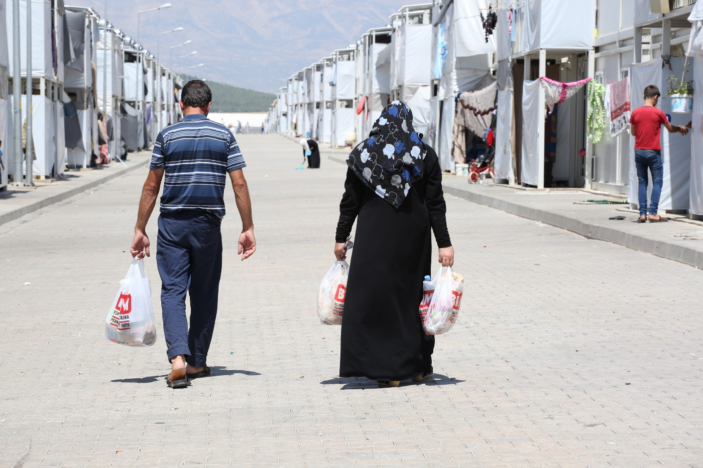 E-food card brings normalcy to Syrian refugees in camps in Turkey