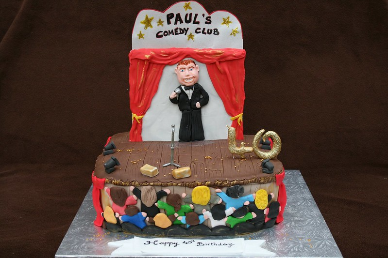 Cake in the shape of a standup comedian