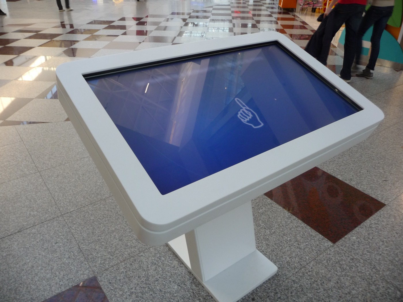 Interactive Touch Kiosk Display, image from: upload.wikimedia.org, by: Pavel Ševela / Wikimedia Commons