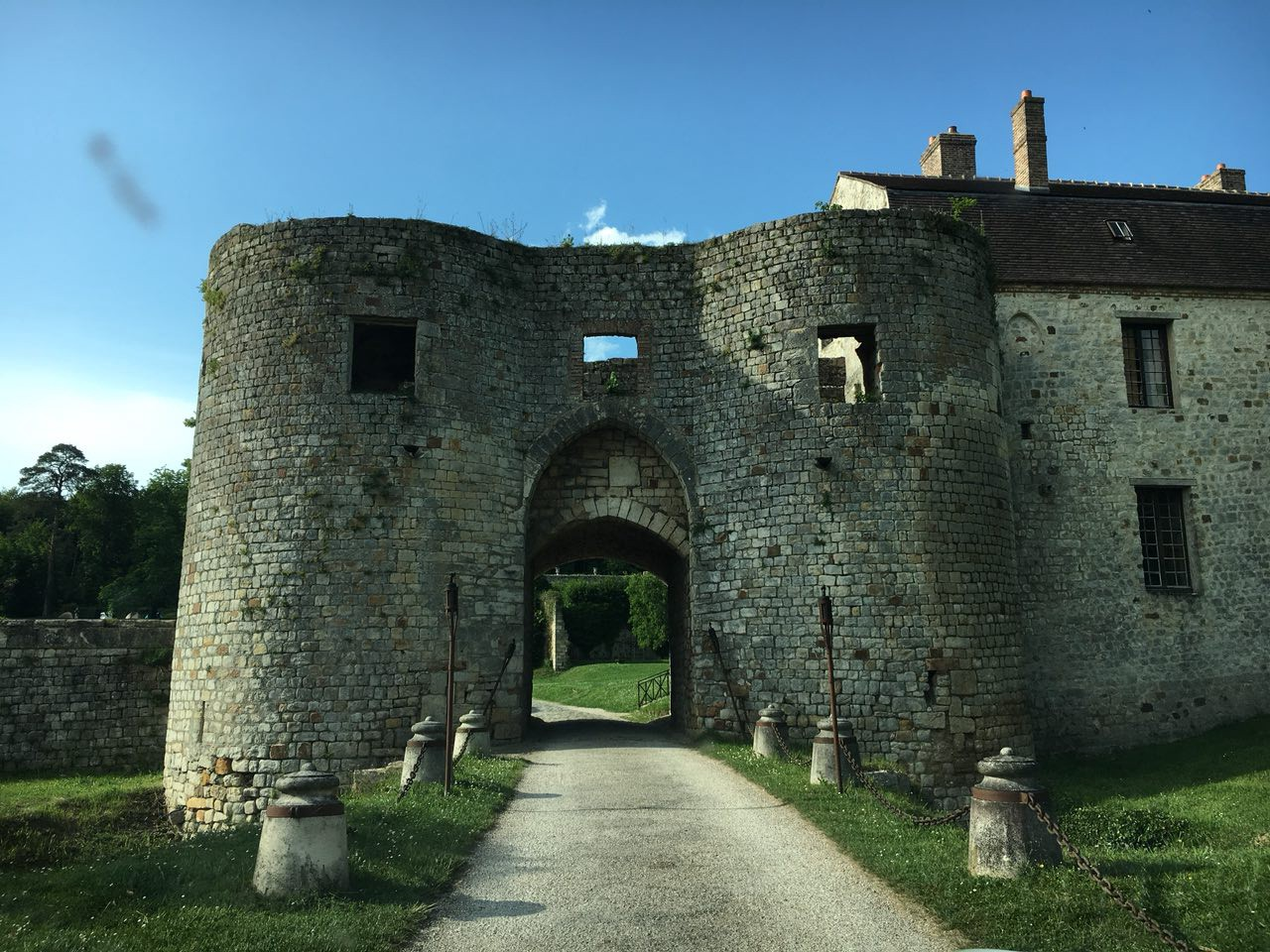 I Did DMT At A Castle In Paris And Went Straight To Hell  Here's
