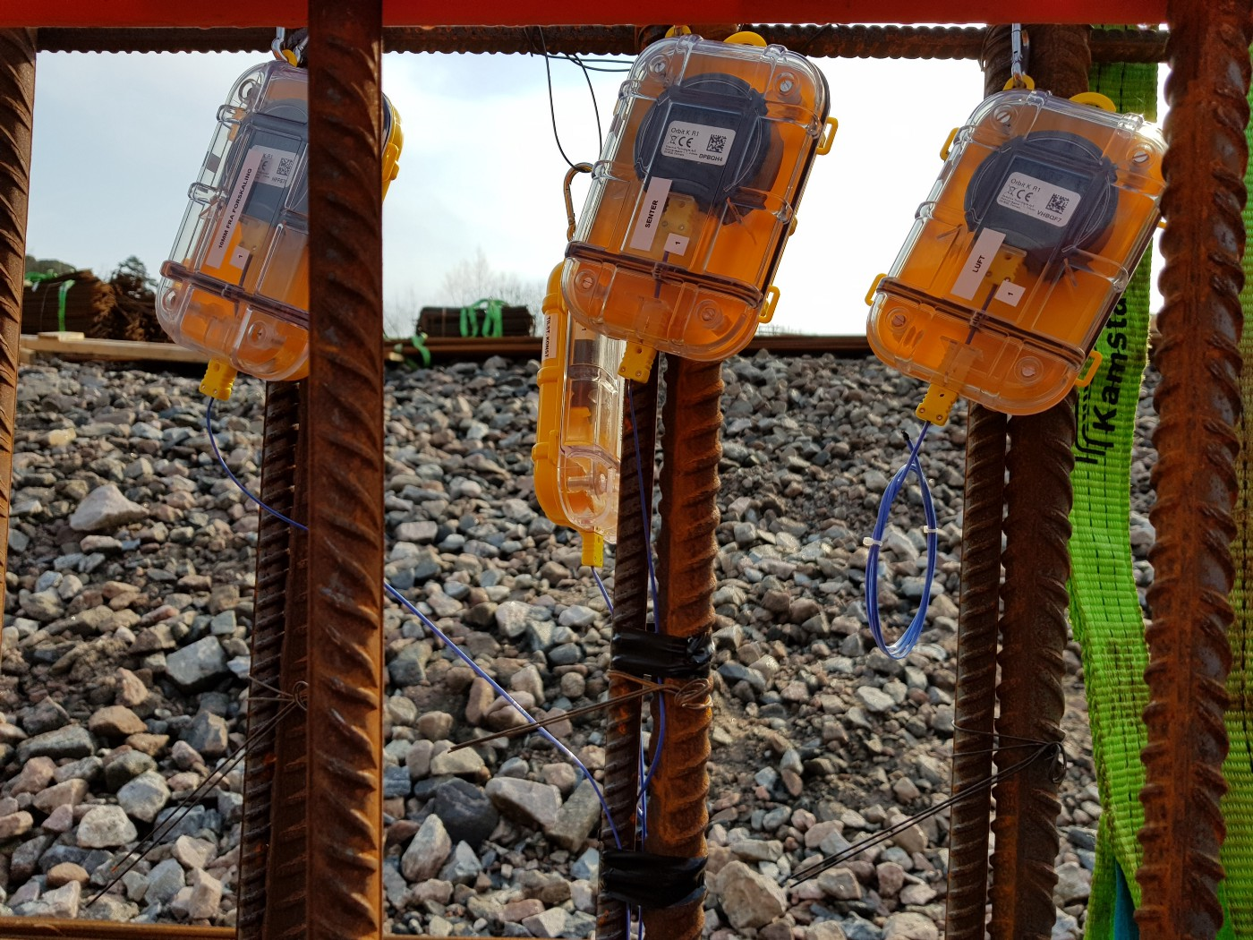 Kruse Smith has attached three Maturix sensors to three separate poles of reinforcing rebar.