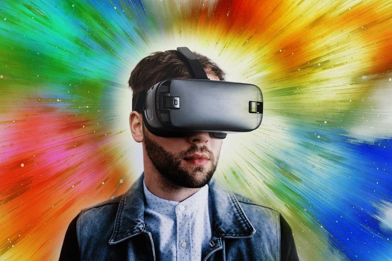 Virtual Reality Greatly Distorts Our Perception of Time