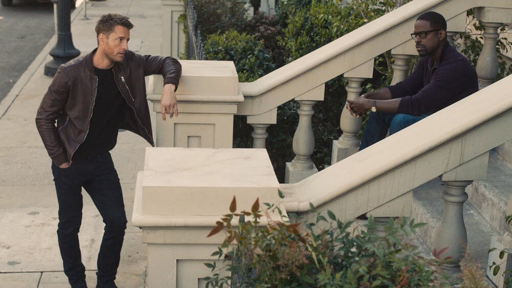 Kevin (Justin Hartley) and Randall (Sterling K. Brown) in This is Us: Brotherly love.