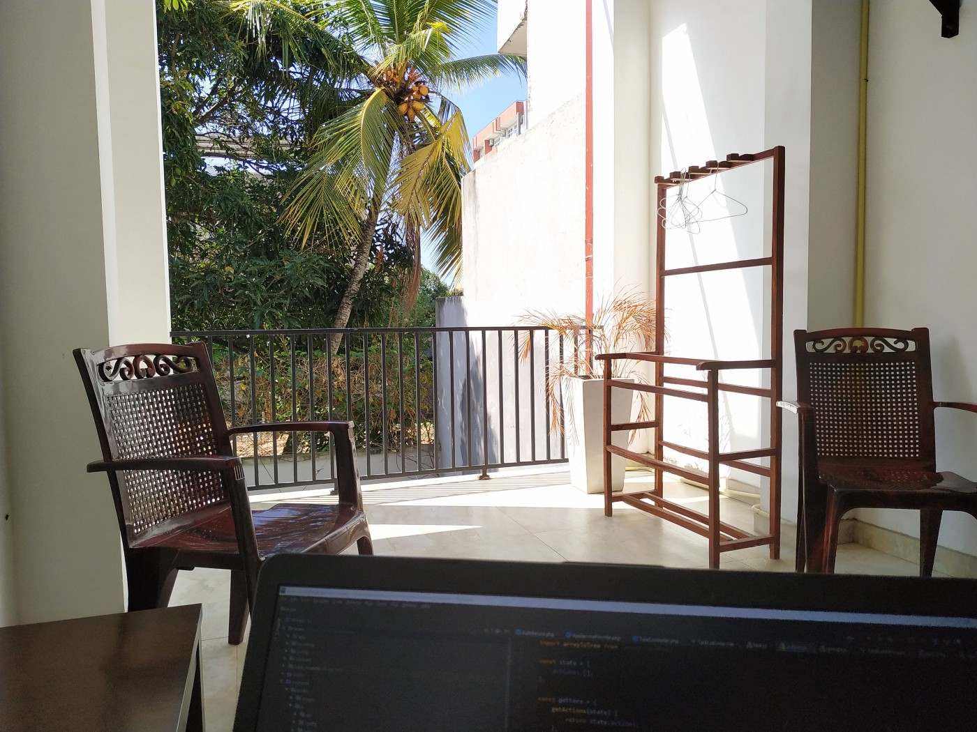 Laptop and palms. We all think it's going to be like that, right?:-)