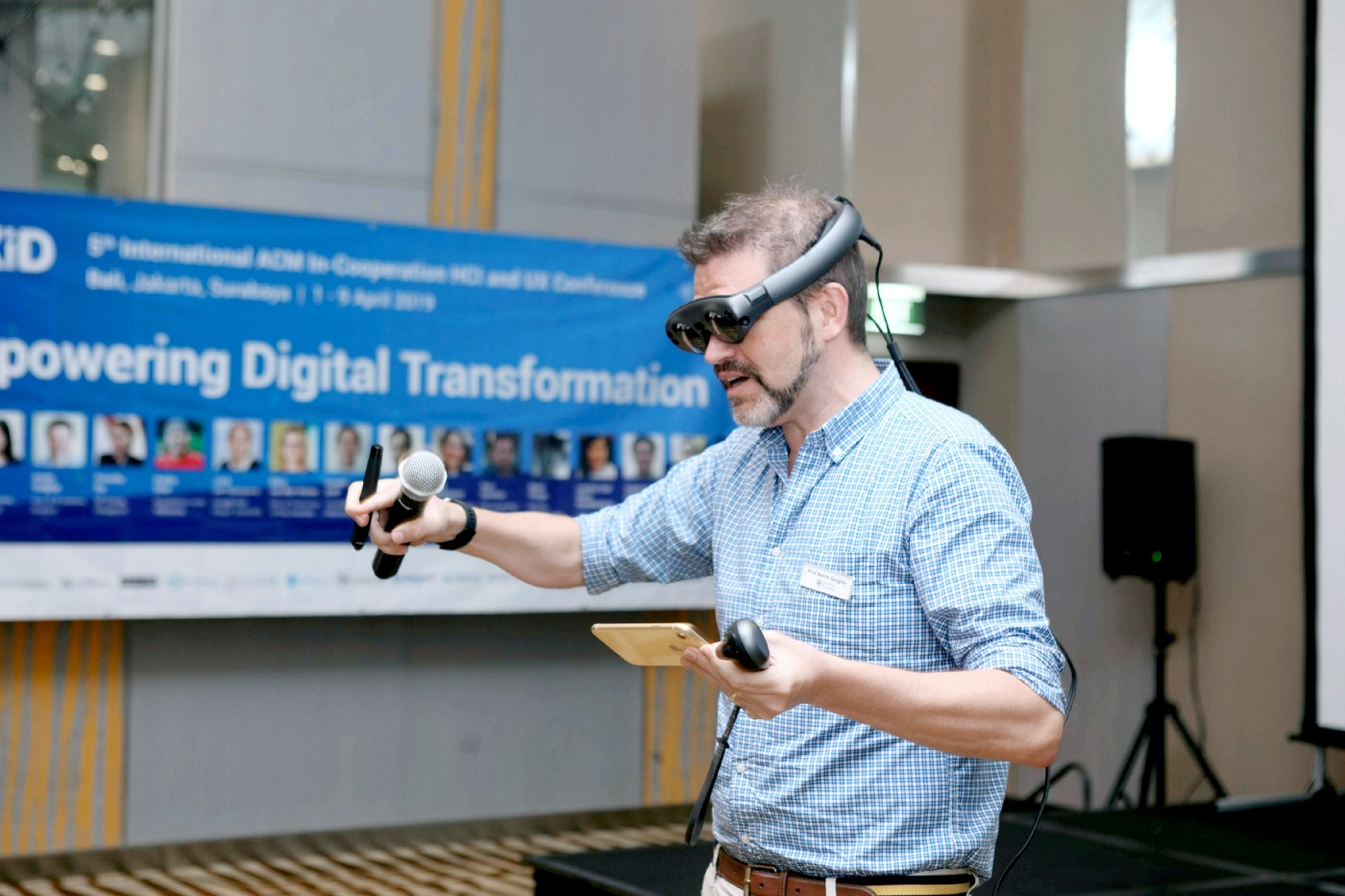 Digital Transformation with Mixed Reality