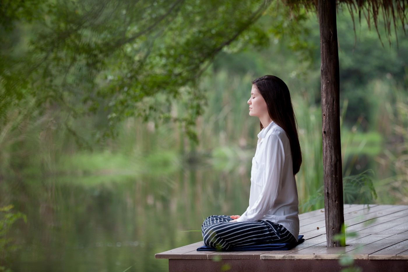 Mindfulness & Meditation: What's the Difference? - Thrive Global