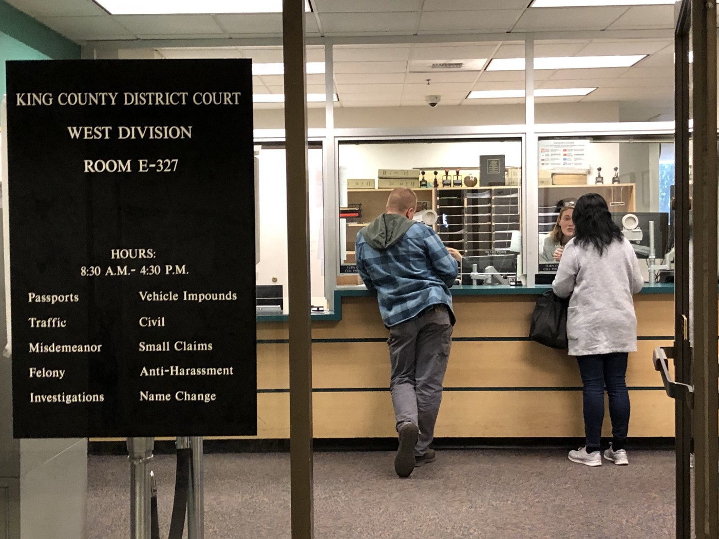 A photograph of a King County Courthouse front desk.