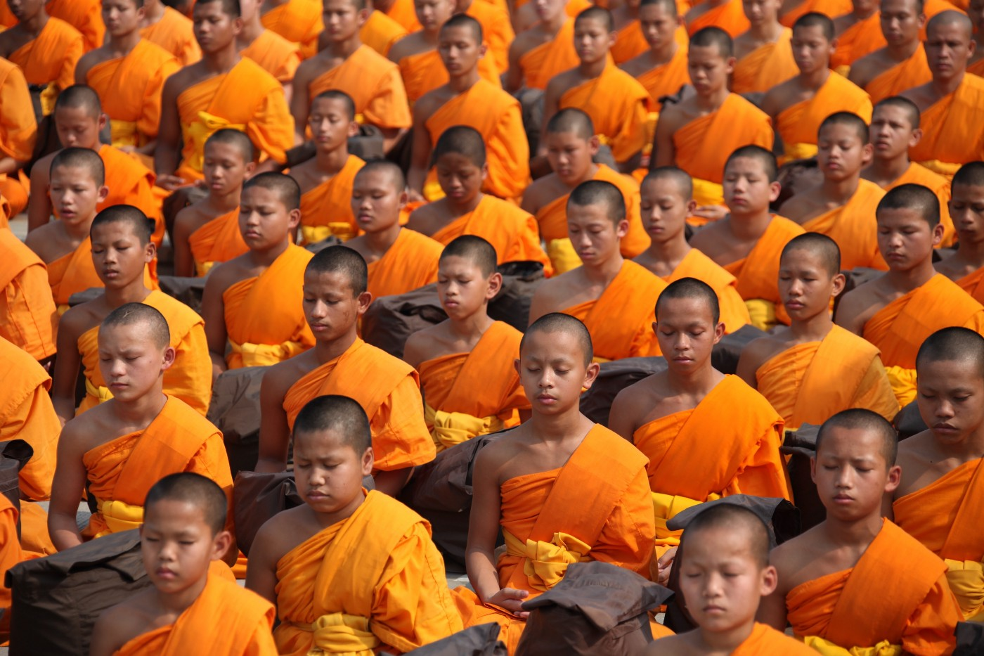 buddhist monks. english teacher. volunteering. teach in myanamr.