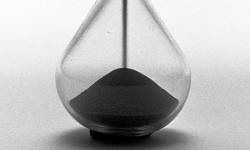Hourglass. Source: https://wellcomecollection.org/works/nugmen9p/images?id=krgatmxy (CC BY 4.0)