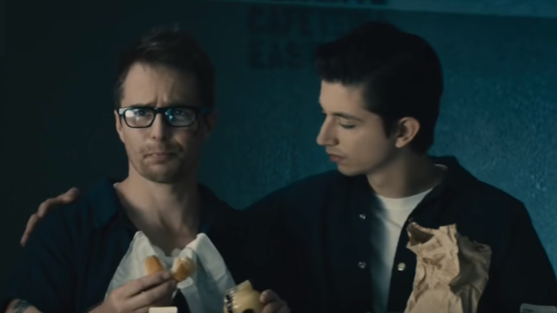 sam rockwell as justin hammer with cellmate in marvel's all hail the king