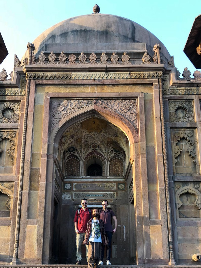 Allahabad's Khusro Bagh & how there might have been no Taj Mahal // Mughal architecutre in India // gonewithawhim.com