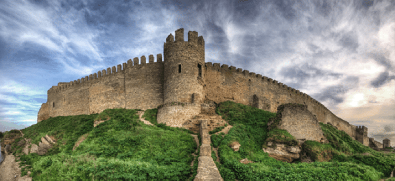 The fortress story used in analogical thinking experiment