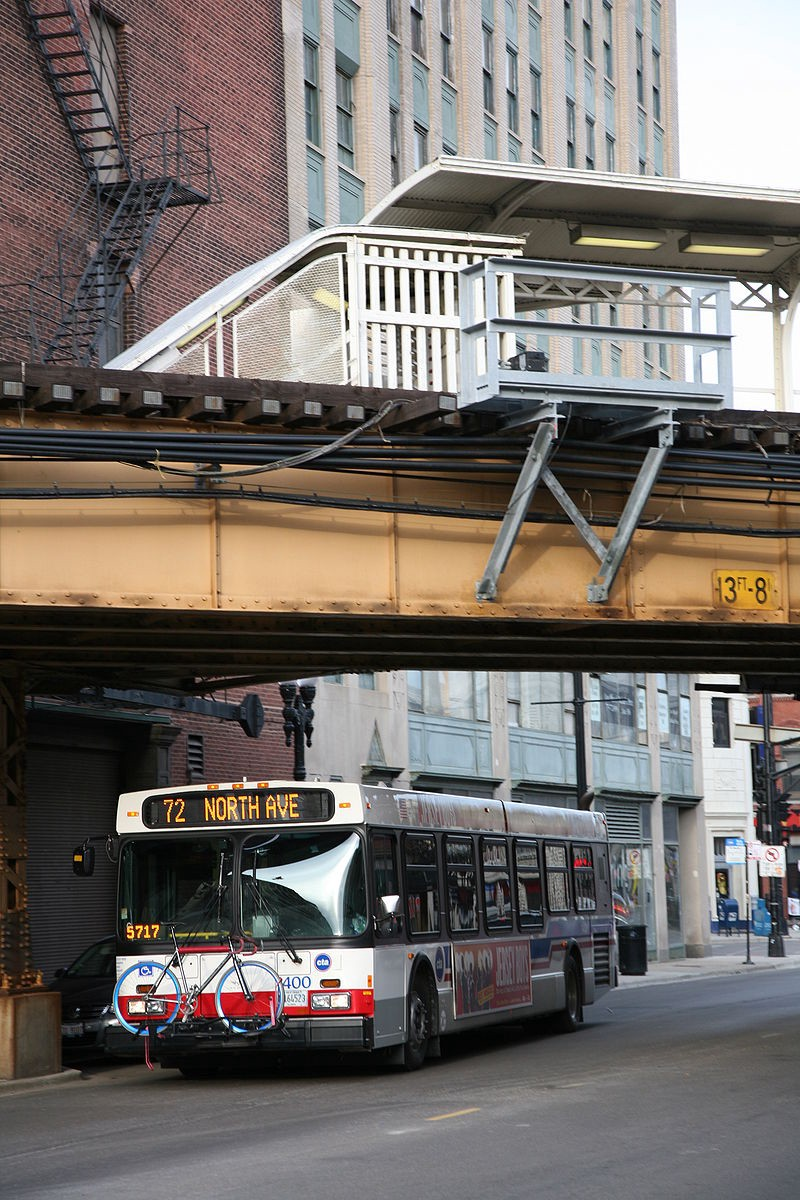 WikiCommons North Avenue bus in Chicago