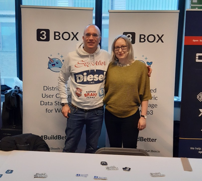 Rachel and Frederic at the 3Box stand at FOSDEM