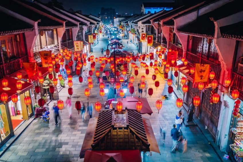 Travel in Hangzhou | Embrace the History and Deliciousness