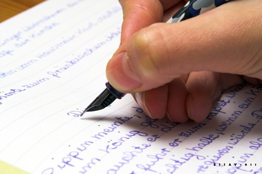 Key Factors to Consider When Selecting an Essay Writing Service | by  donets.aleksey | Medium