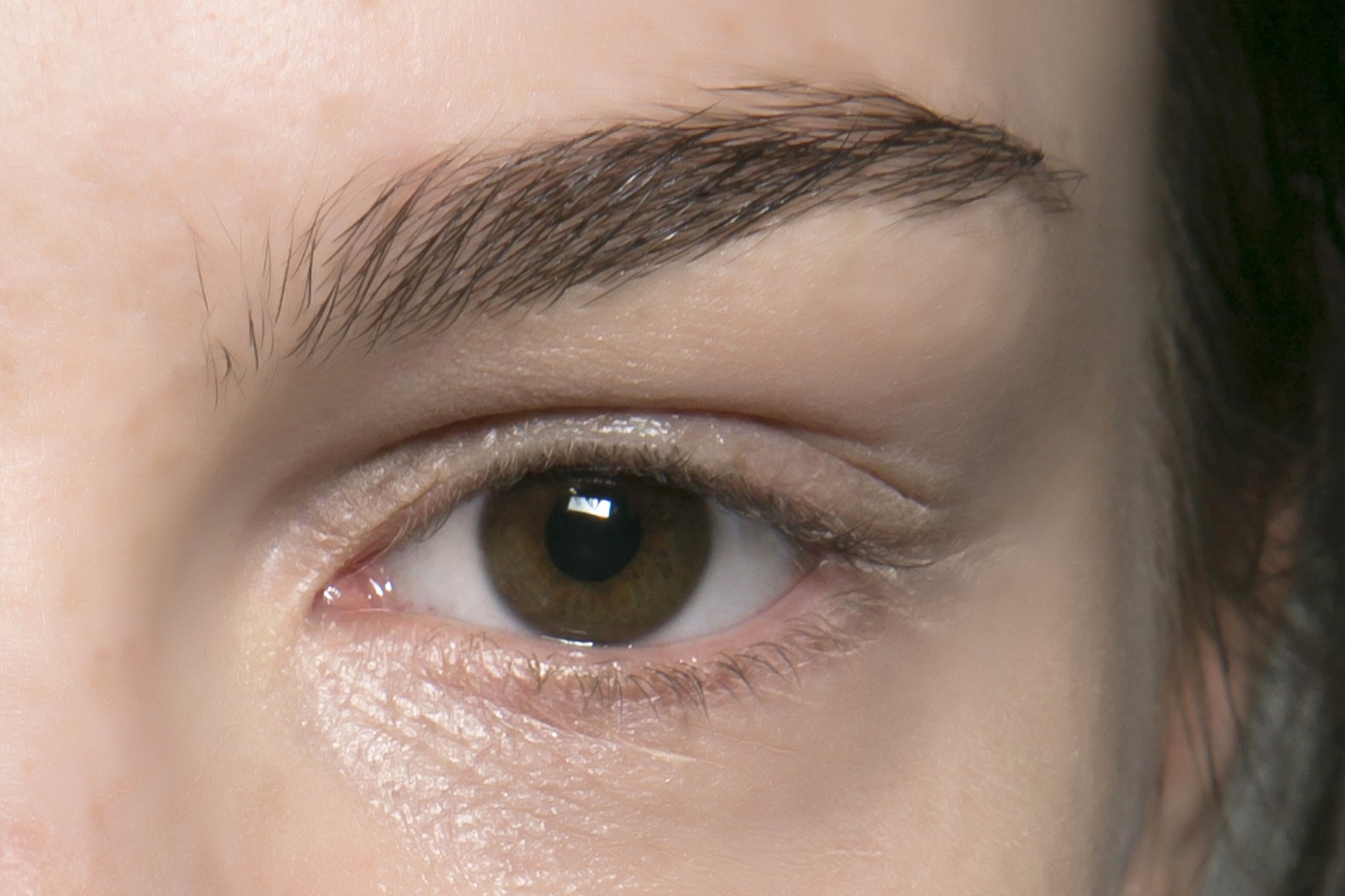 5 Mistakes You Might Be Making When Shaping Your Eyebrows