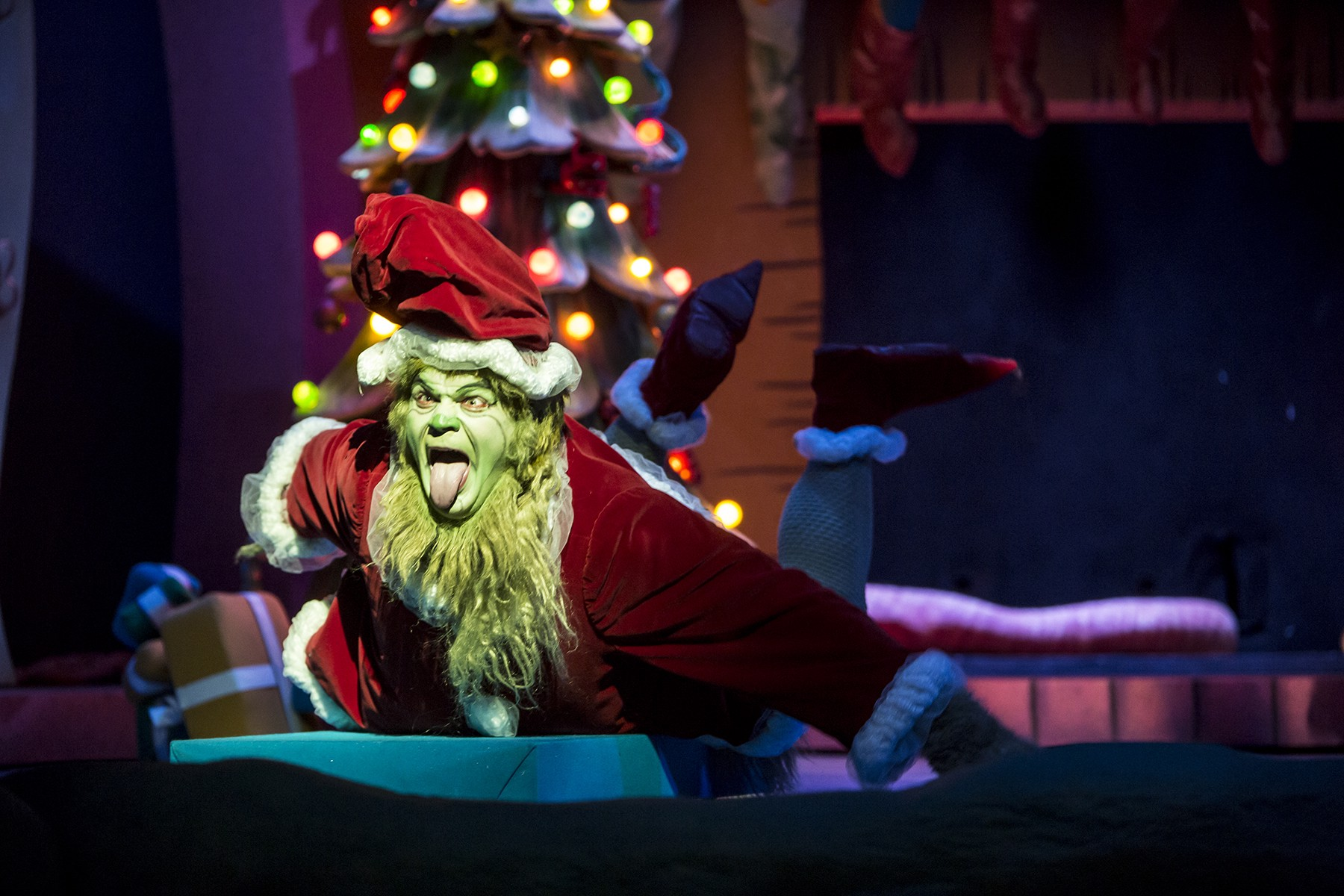How The Grinch Stole Christmas Cindy Lou Dad.Cast Announcement For Dr Seuss S How The Grinch Stole
