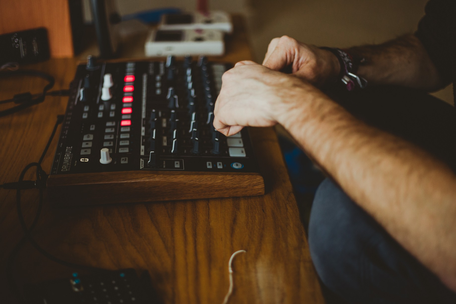 10 Helpful Tips I Wish I Knew When I Started Producing Electronic Music