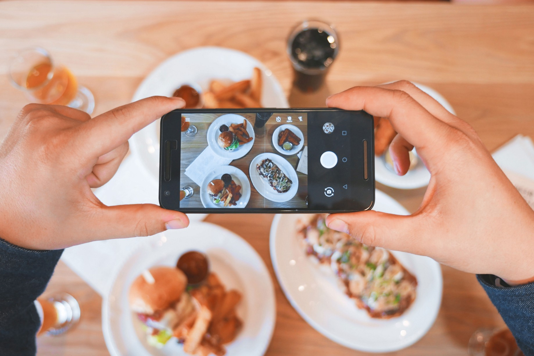 Finding Burgers, Bars and The Best Yelpers in Town - Towards Data