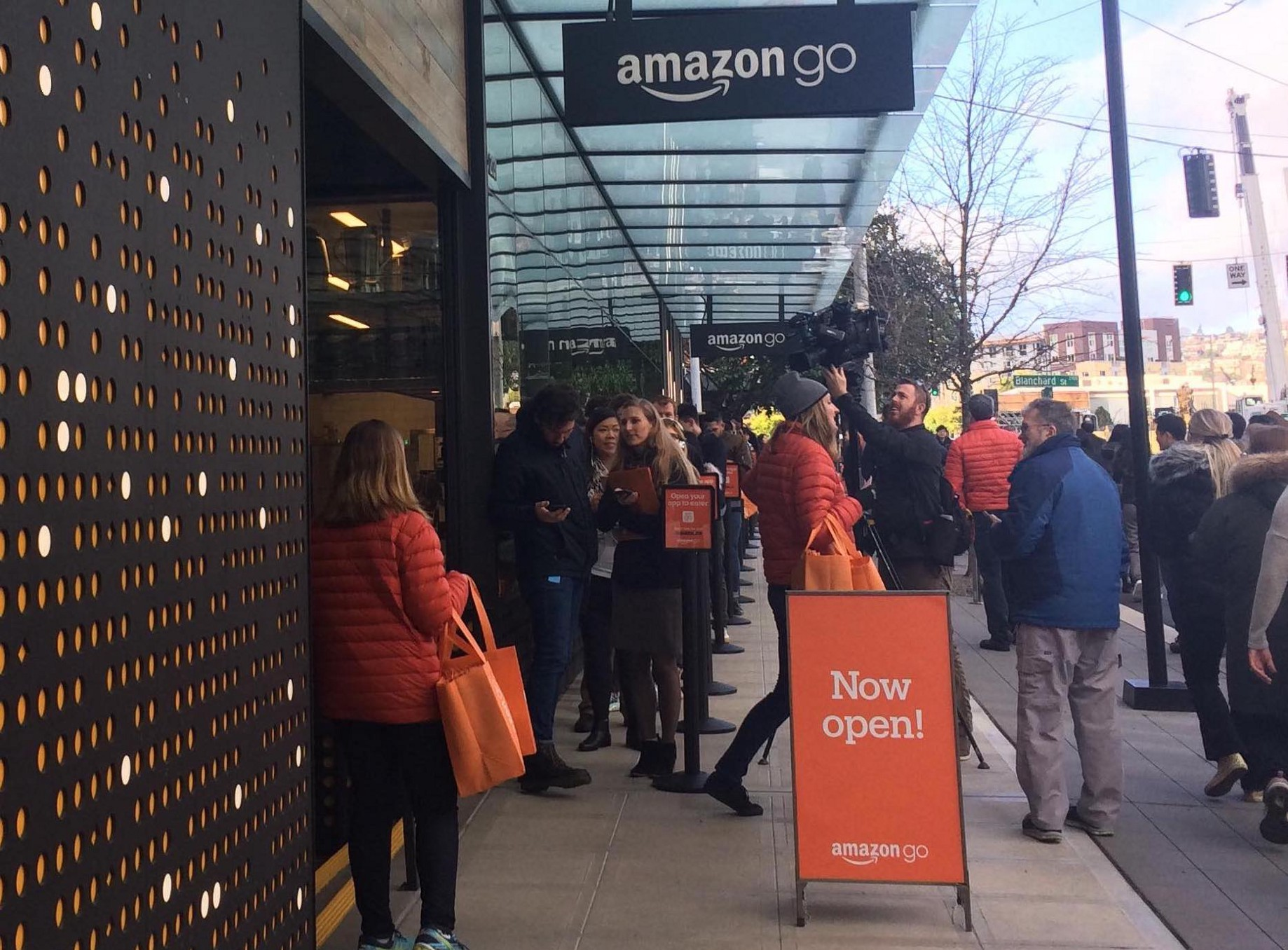 Examining the User Experience of Amazon Go Shopping — Just Walk Out