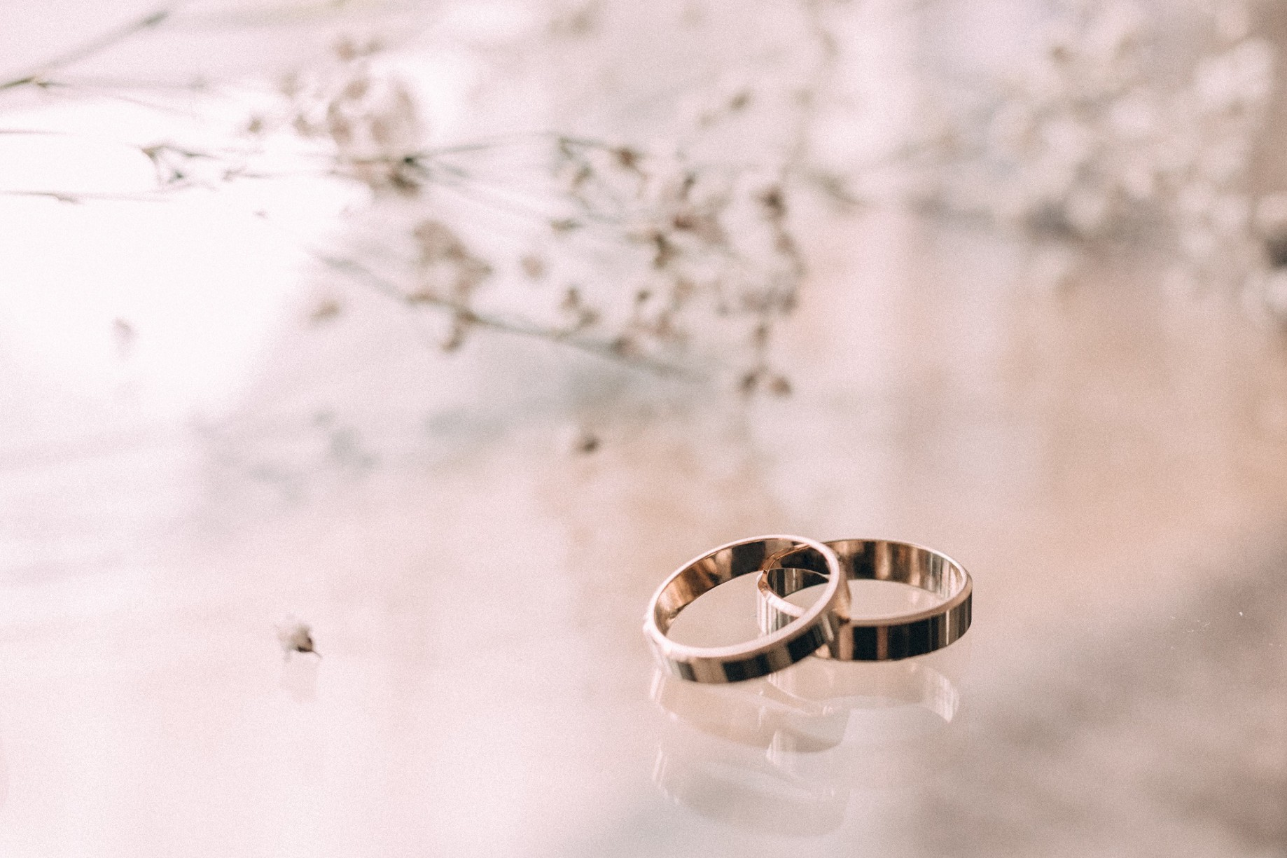 46326eeb4 How Much to Spend on an Engagement Ring? - Dr. Robert Burriss - Medium