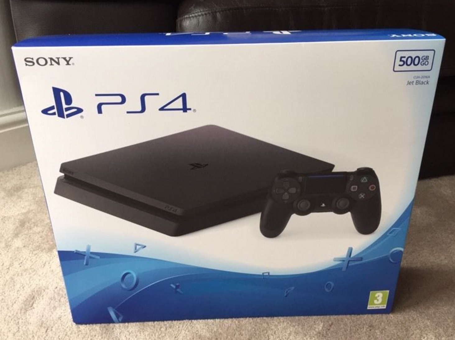 New slim PlayStation 4 leaks, is fugly - Gloss