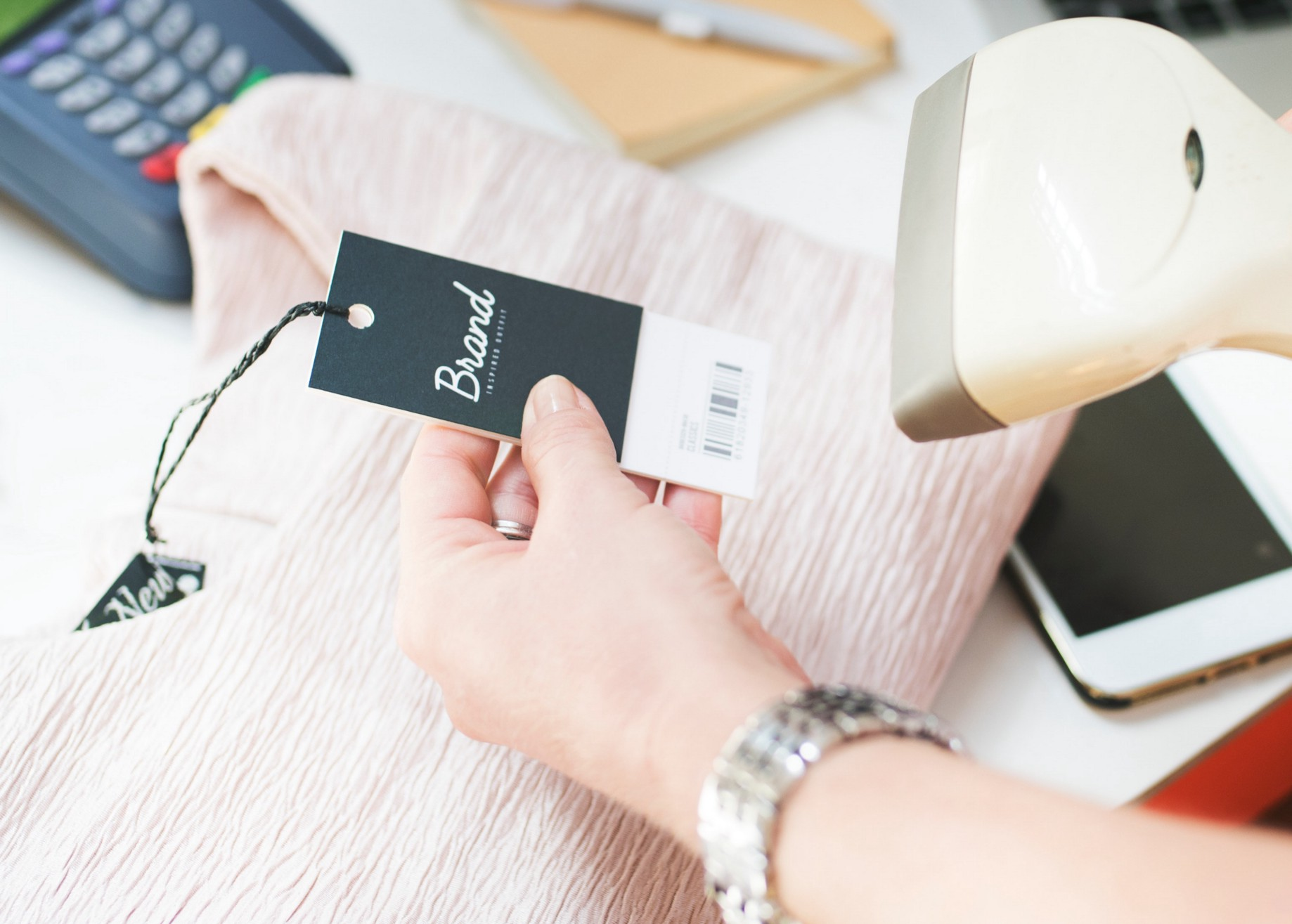 7 Powerful Examples of How RFID Technology can be Used in Retail