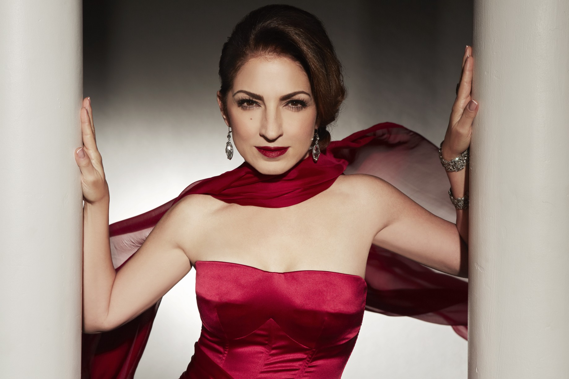 Gloria Estefan words get in the way