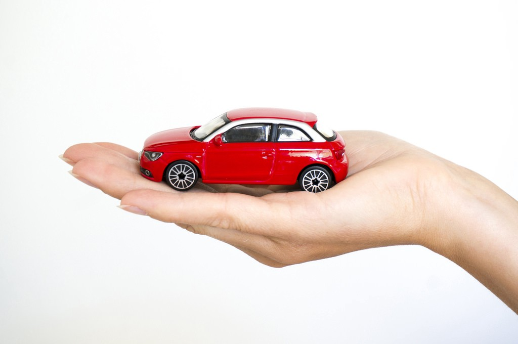 Keep Your Car Protected With New India Car Insurance Plans