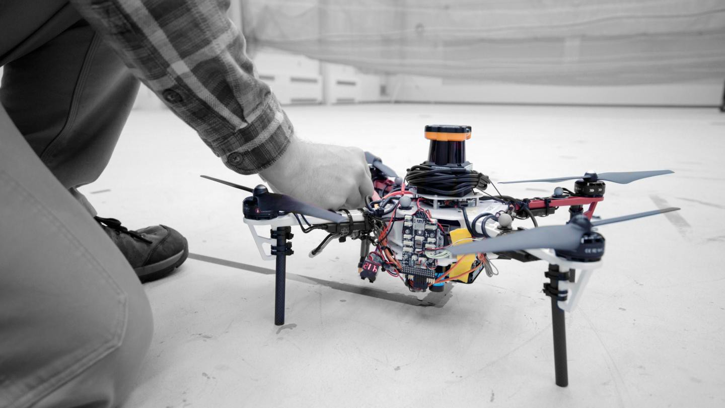 MIT Develops Autonomous Drone Fleet That Works Together Without the