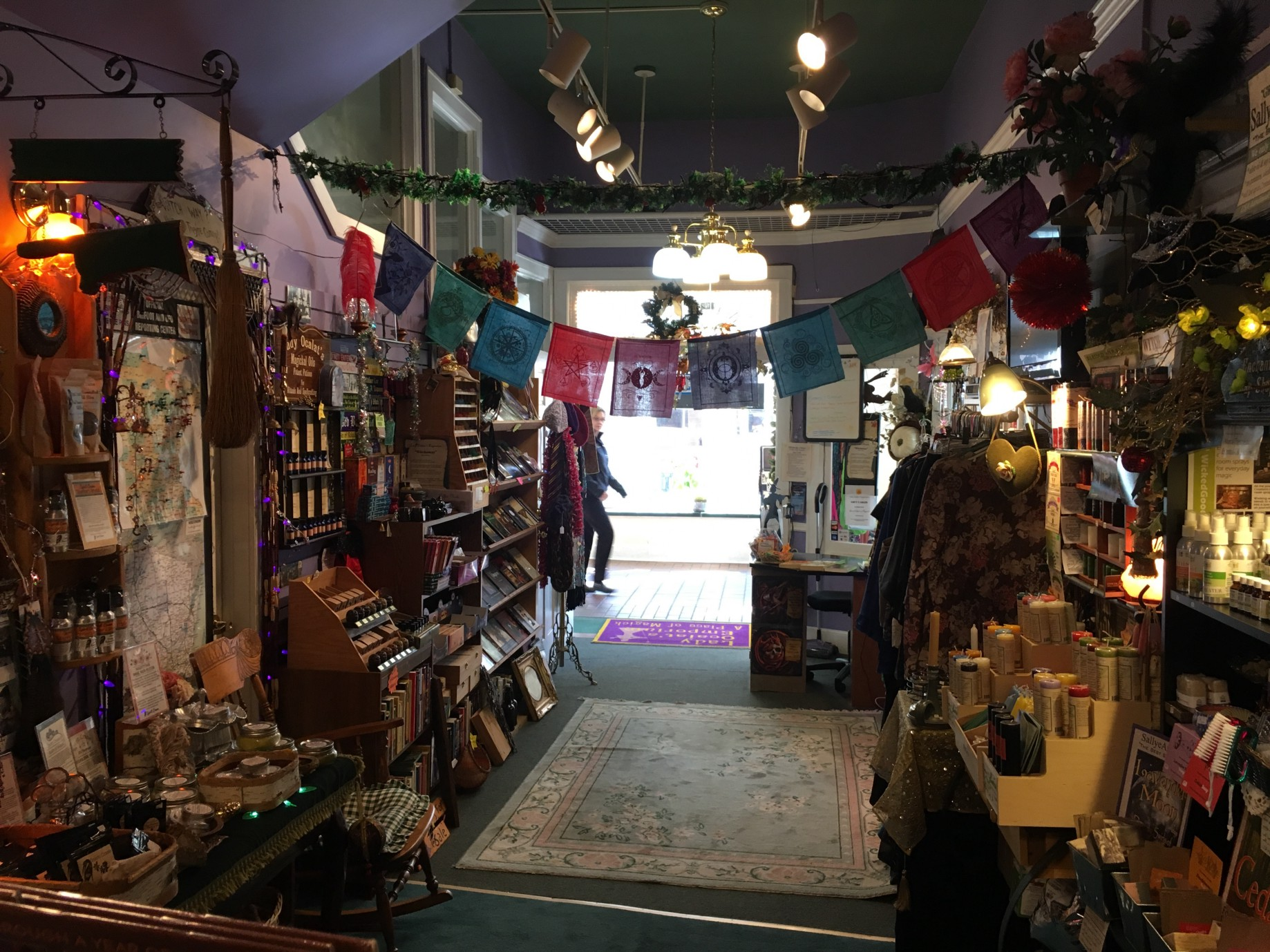 Lady Ocalat's Emporium: 'I've always been a witch' - LakeVoice