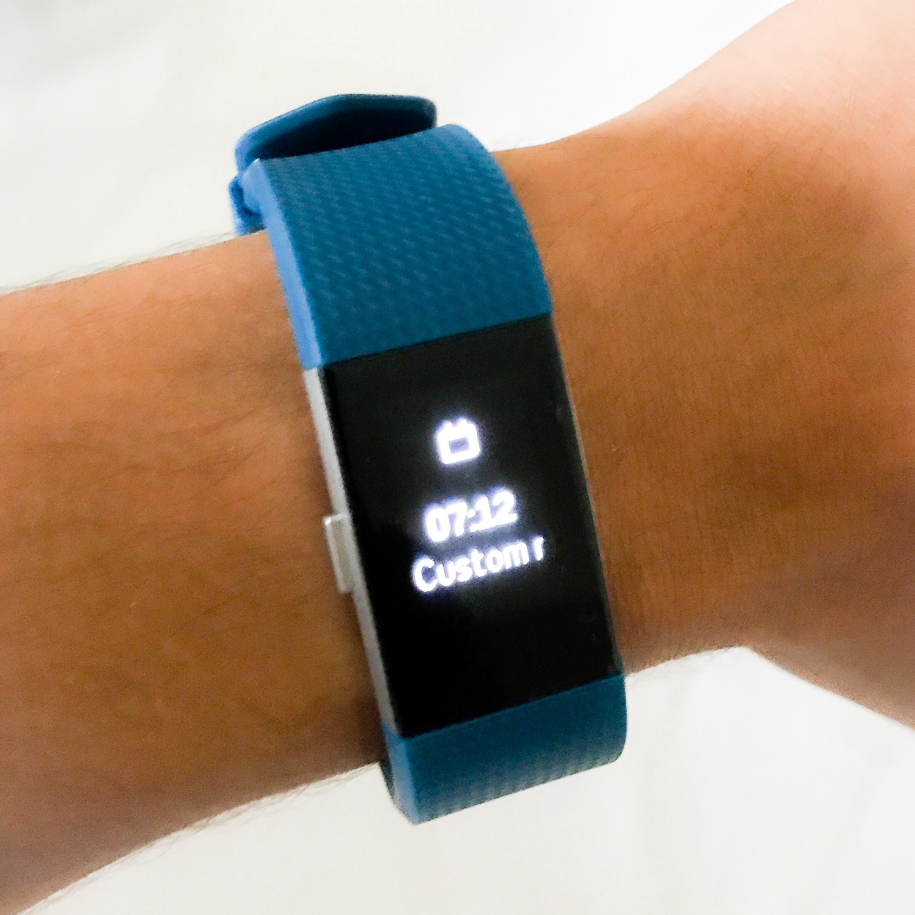 Finally, custom push notifications on Fitbit wearables without hacking