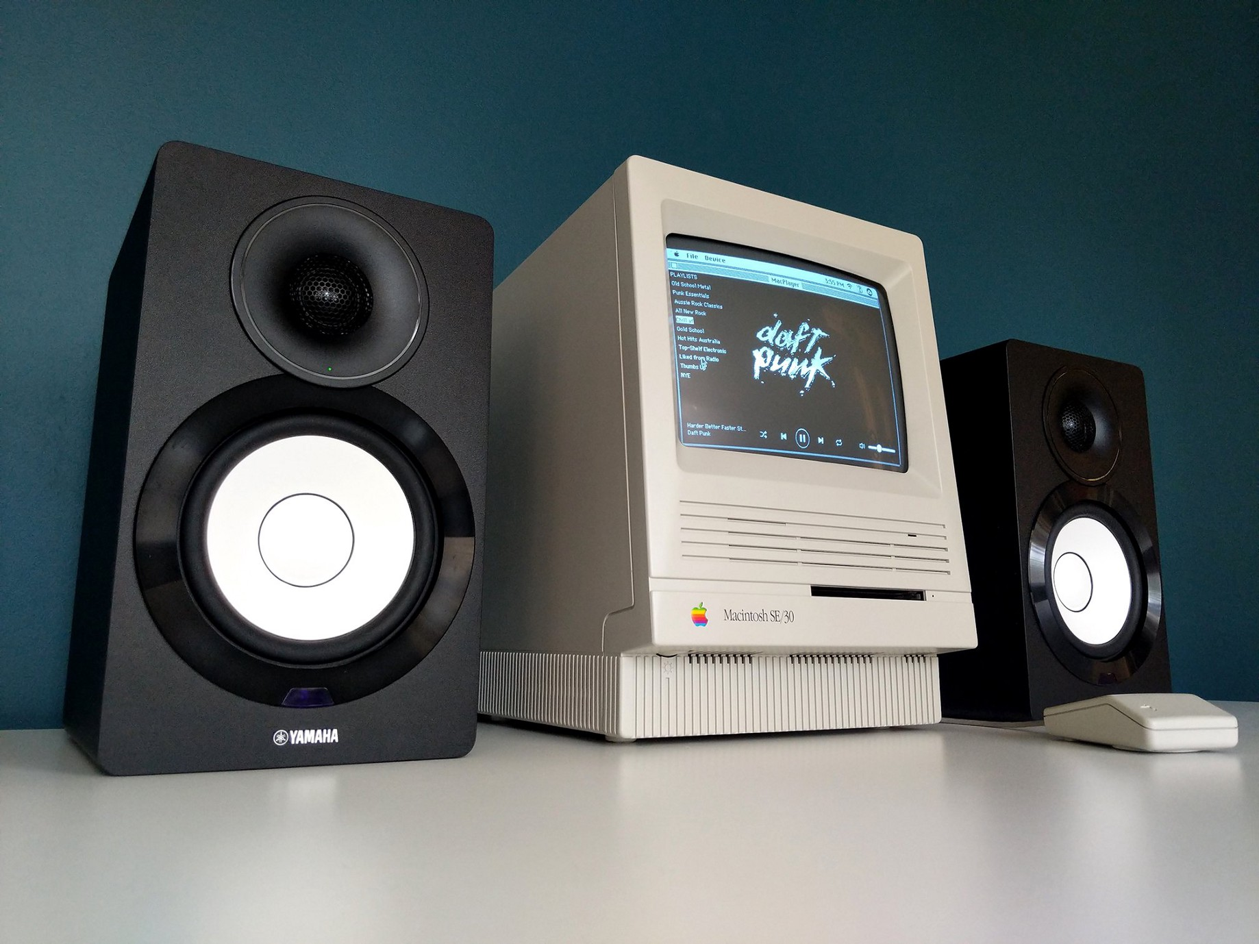 A Macintosh SE/30 Spotify Music Player - Hackster Blog