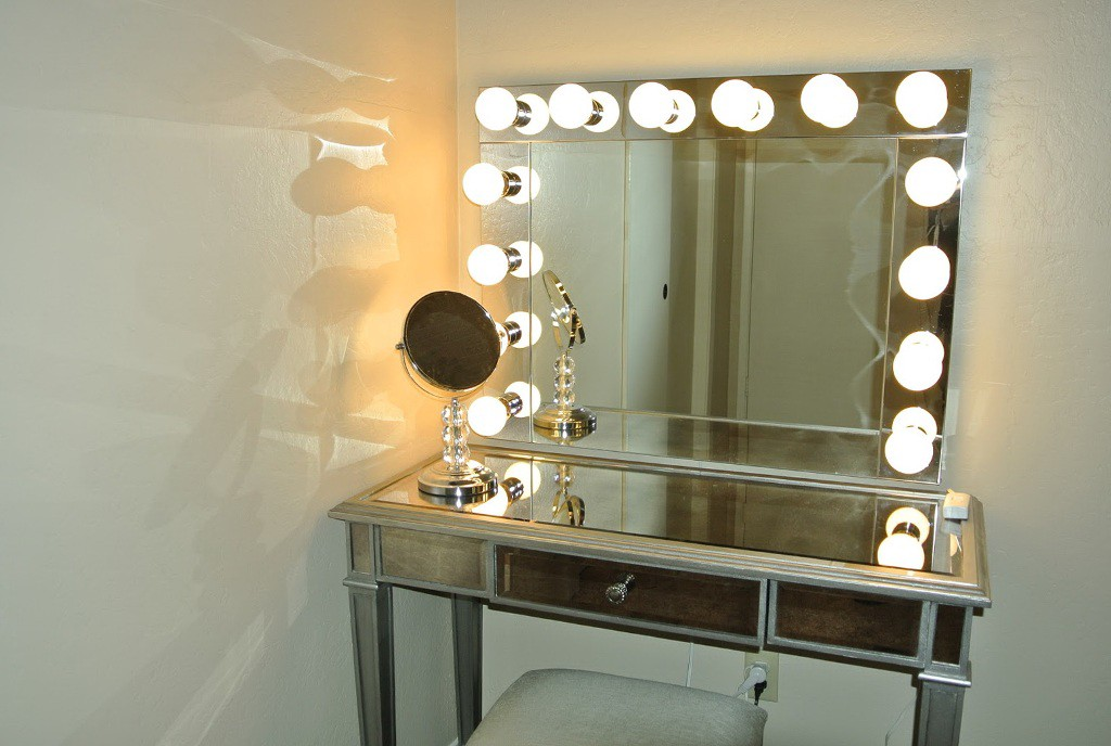 Lighted Vanity Mirror.See Yourself Clearly Lighted Makeup Mirrors Blake Lockwood Medium
