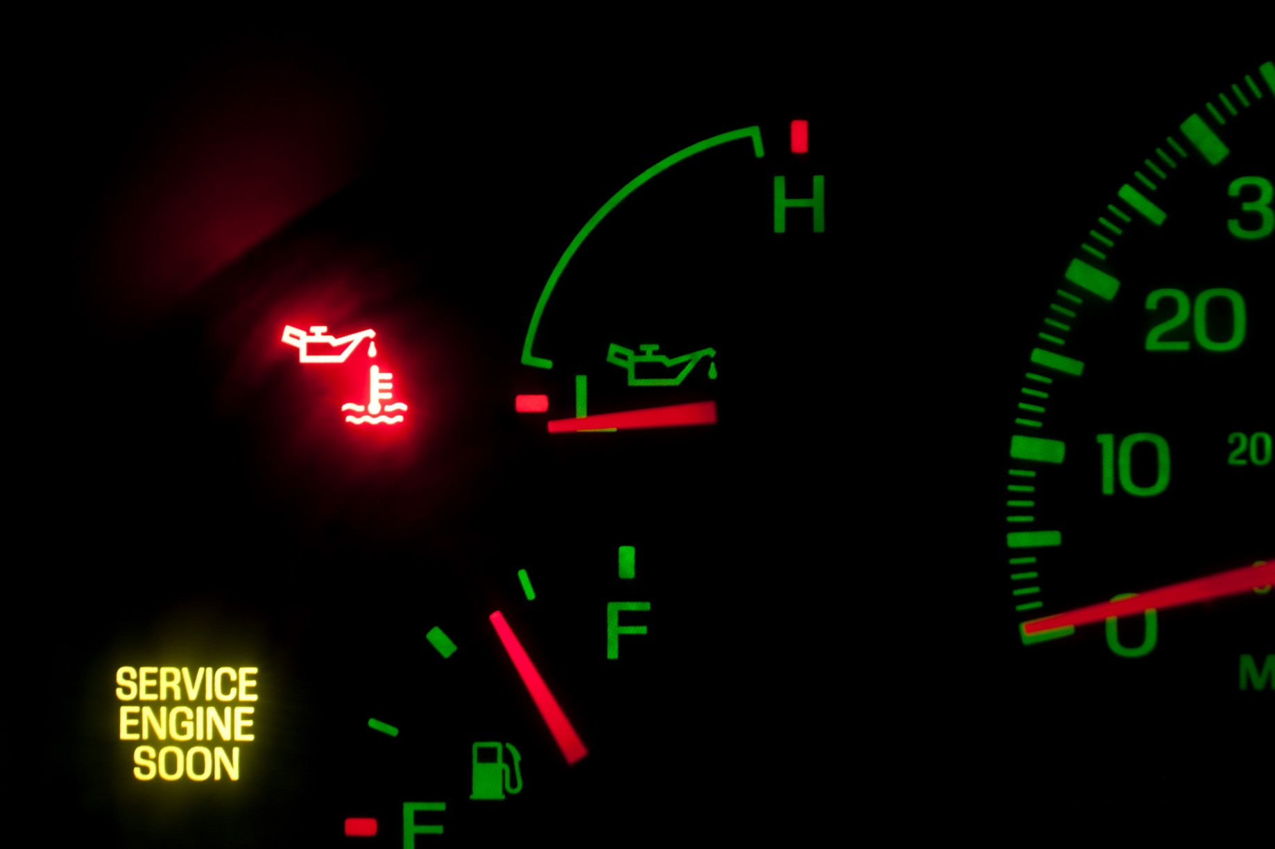 What Does the Oil Pressure Warning Light Mean? - Riverside
