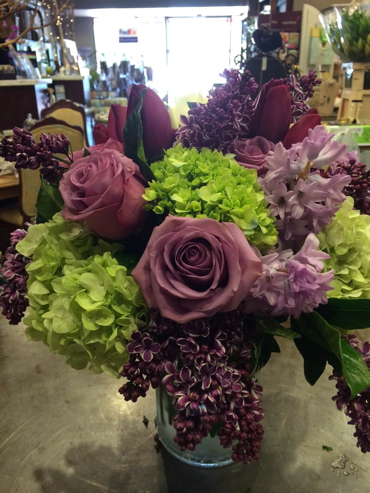 Advantages and Disadvantages of Shopping from Online Flower Shops | by Bellagio Florist Etc | Medium