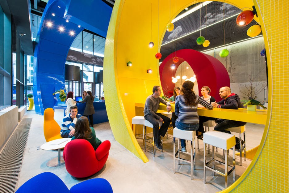 Modern Office Space Embraces Collaboration and Creation