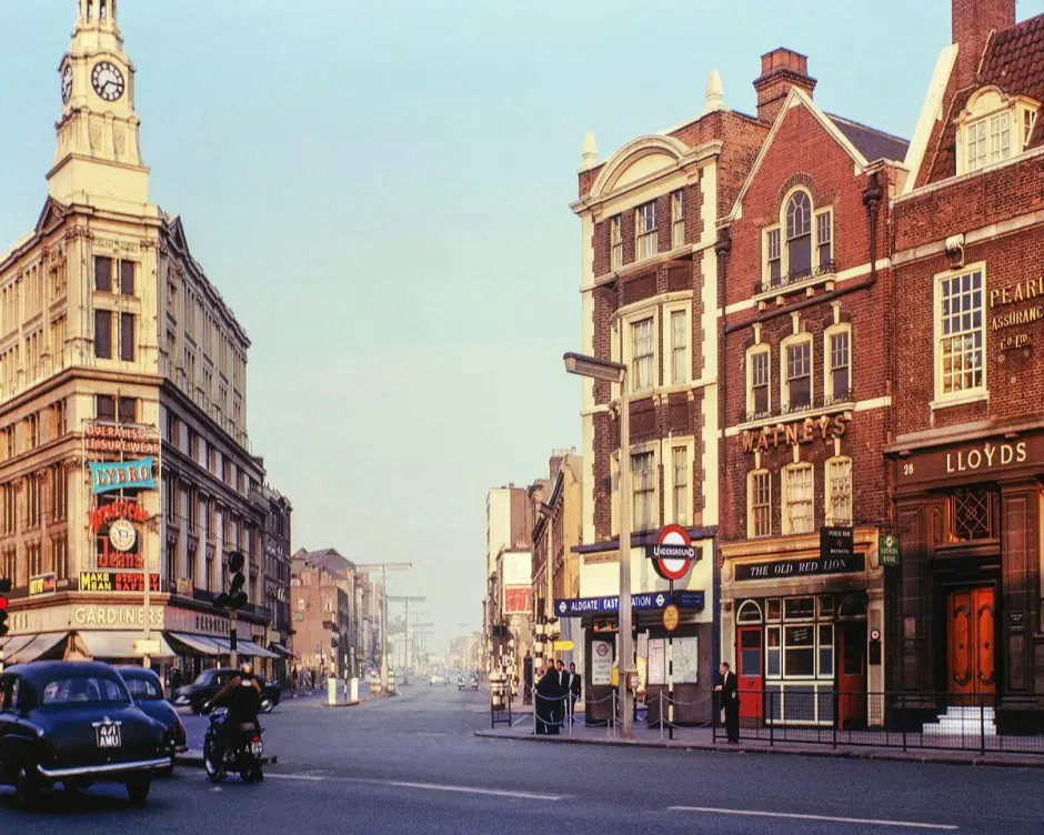 Aldgate East station in the 1960s. Credit: David Granick / Tower Hamlets Local History Library & Archives.