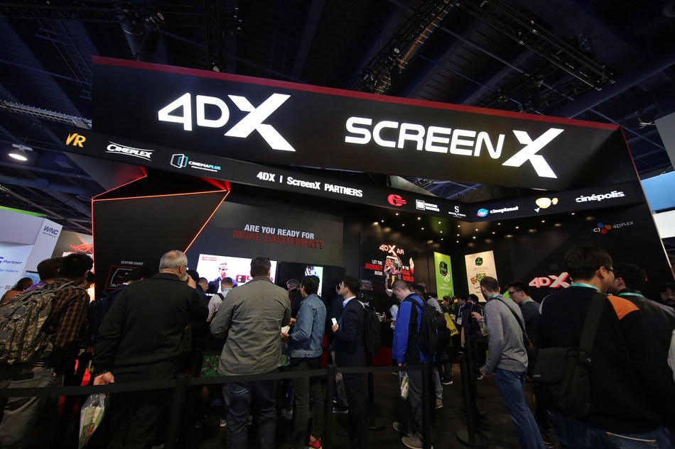 Attendees waiting in line to experience 4DX ScreenX at CES 2020