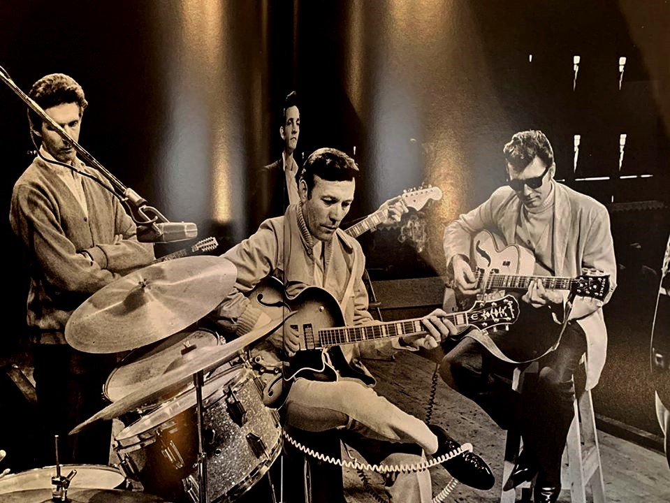 Cool cats, indeed: Statler Brothers baritone Phil Balsley, a partially obscured Johnny Cash, Carl Perkins, and Lew DeWitt.