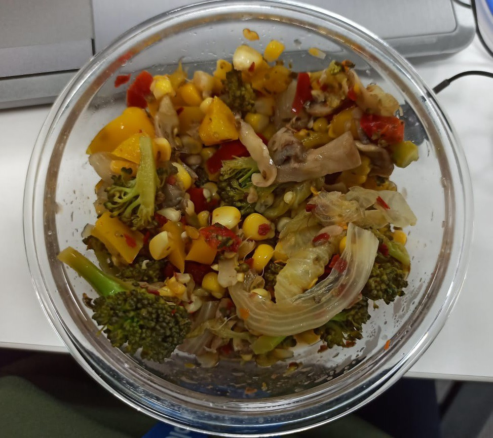 Picture of the author's vegetable salad