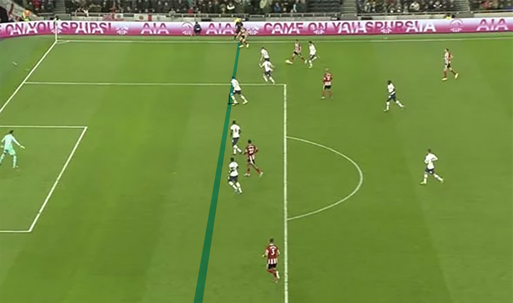Another shape overlaid, this time in blue to show thr defender's position range