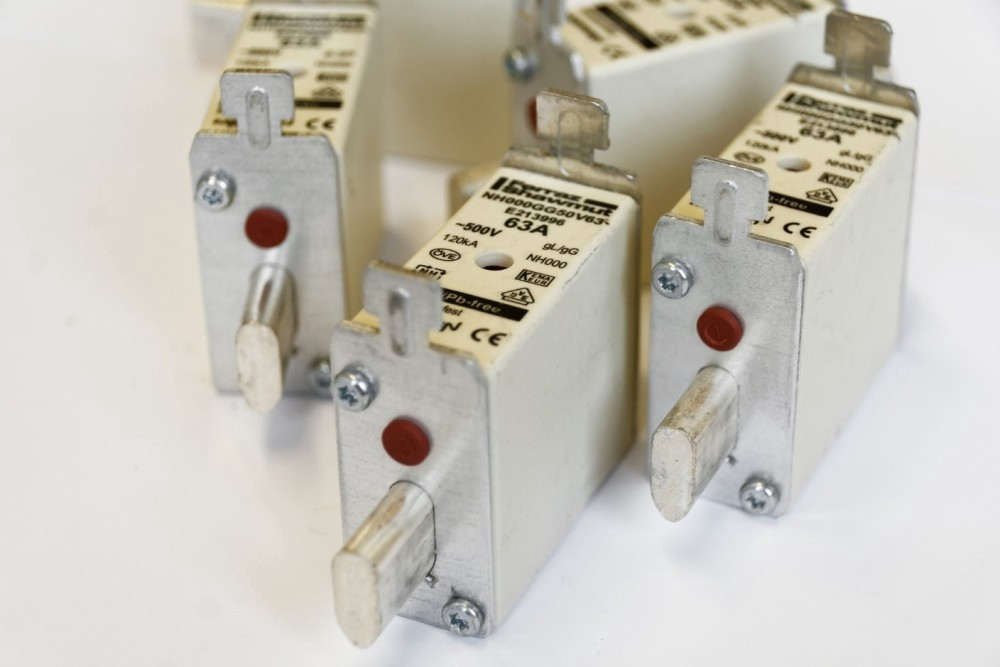 selection of right fuse for power system protection