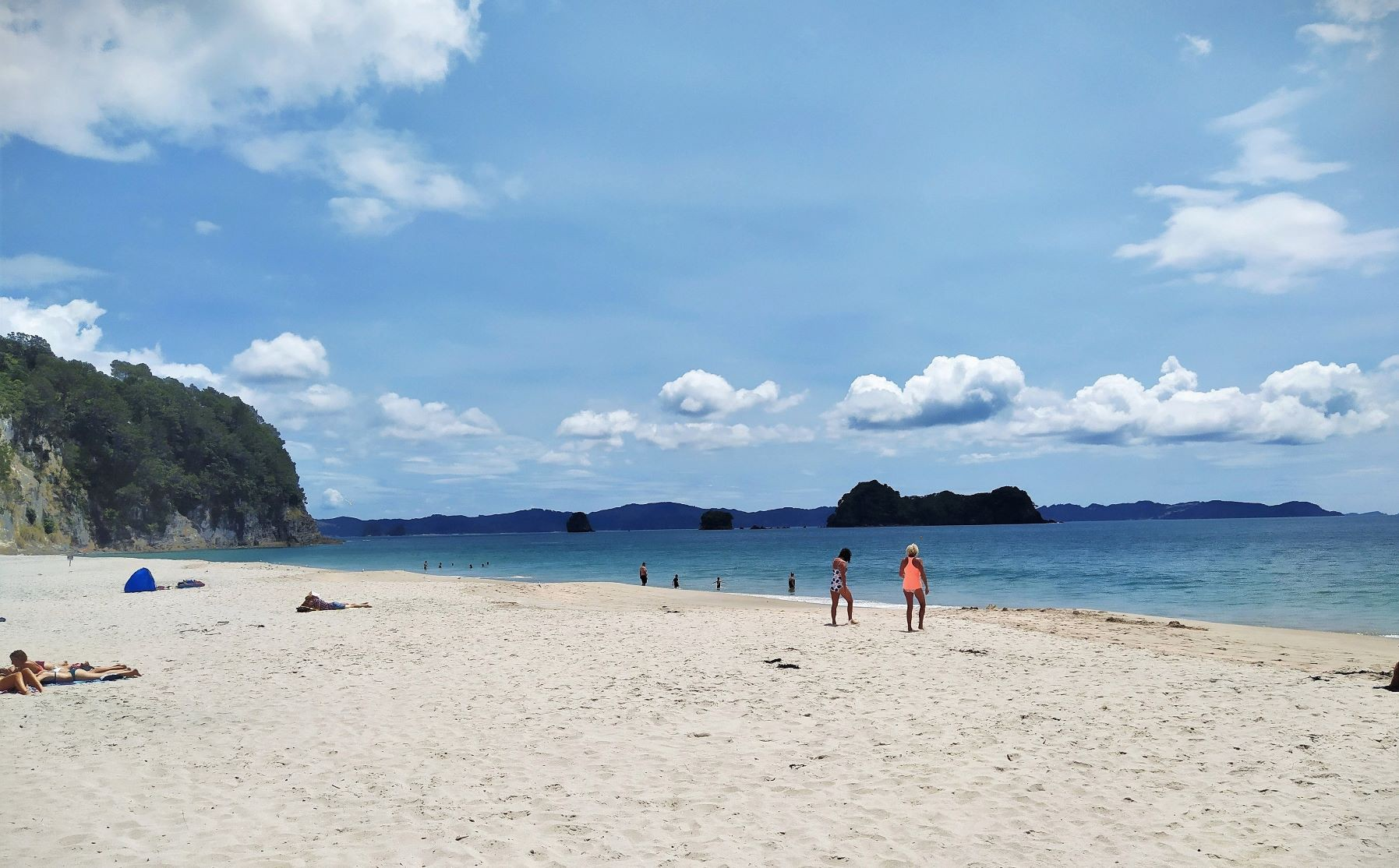 Hahei beach — Coromandel, New Zealand