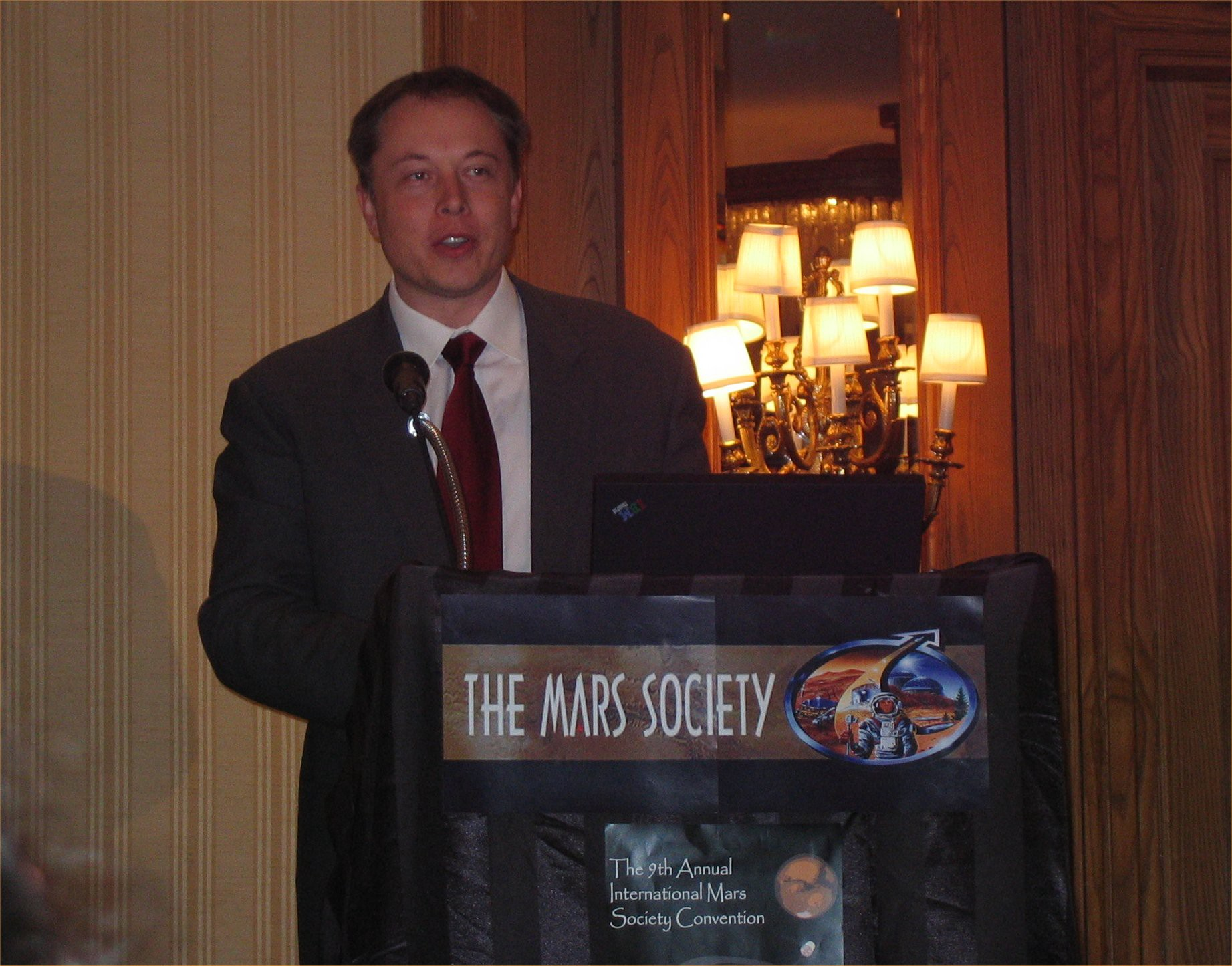 Elon Musk speaking at the Annual International Mars Society Convention in 2006.