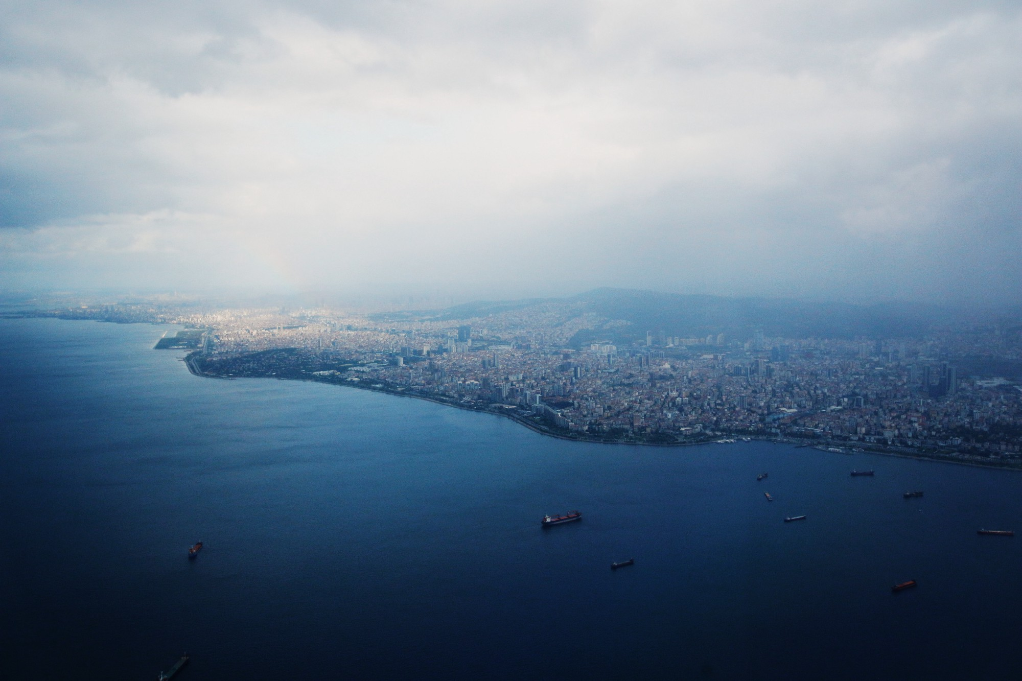 An aerial overview of the İstanbul shoreline.