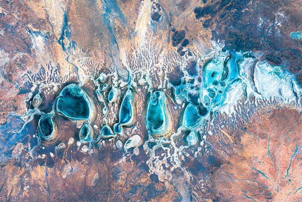 Google Earth image of the lakes in the Great Sandy Desert, Australia.